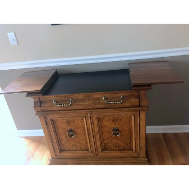 This wood Bernhardt server and/or buffet will make any space look better. It contains one lined drawer which is perfect...