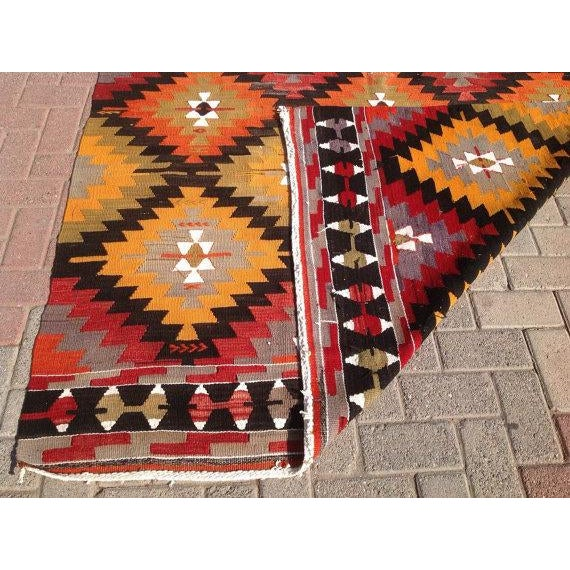 "Vintage Turkish Red & Orange Kilim Rug - 5'2"" X 9' For Sale In Raleigh - Image 6 of 6"