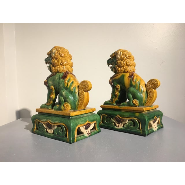 1920s Chinese Sancai Glazed Foo Lions - a Pair For Sale - Image 4 of 11