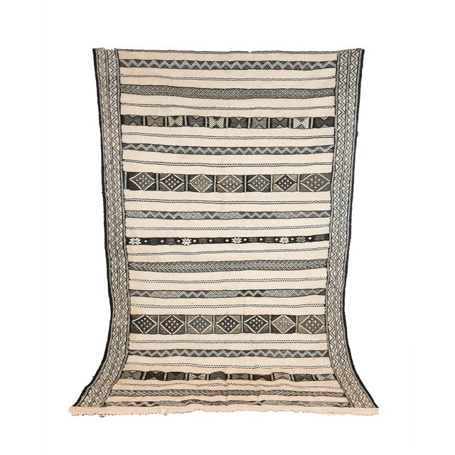Vintage Moroccan Neutral Kilim Rug For Sale In Chicago - Image 6 of 6