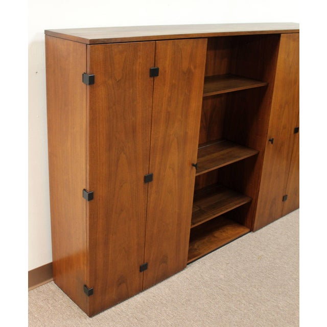 Mid-Century Modern Merton Gershun for Dillingham Walnut Credenza and Hutch, 60's For Sale - Image 9 of 10