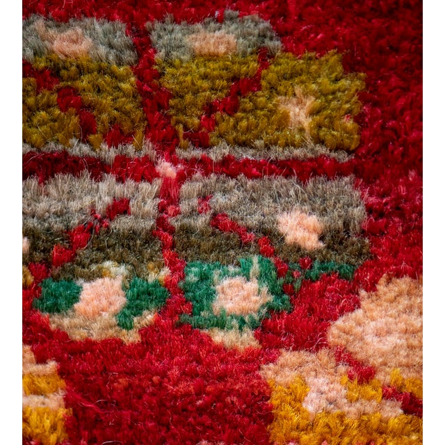 Turkish Mid 20th Century Vintage Floral Tomato-Red Handwoven Wool Turkish Rug For Sale - Image 3 of 9