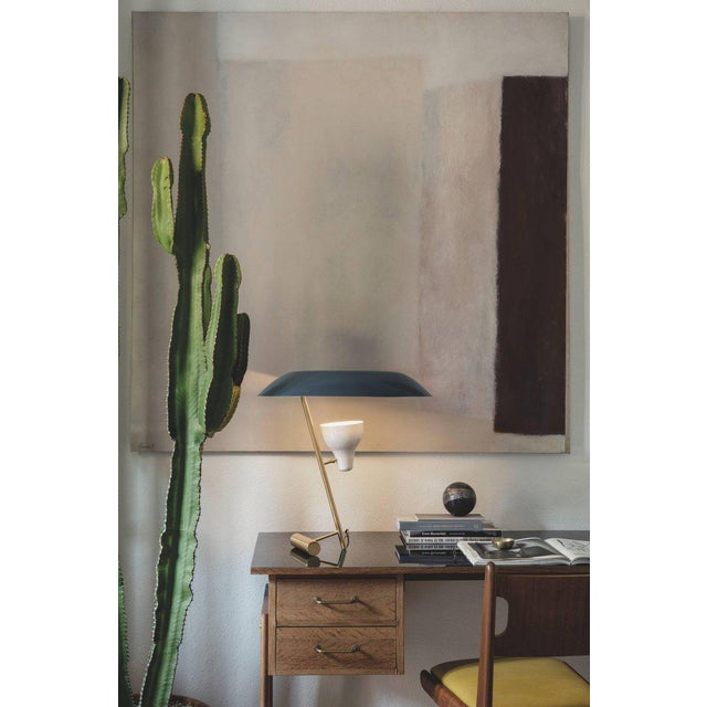 Gino Sarfatti Model #548 Table Lamp in Gray and Burnished Brass For Sale - Image 11 of 12