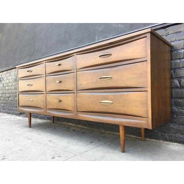 1960's American Walnut Nine Drawer Dresser - Image 4 of 7