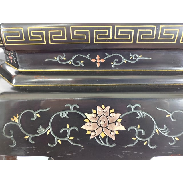 Black 1950s Chinoiserie Jappaned Lacquered Side Tables - a Pair For Sale - Image 8 of 10
