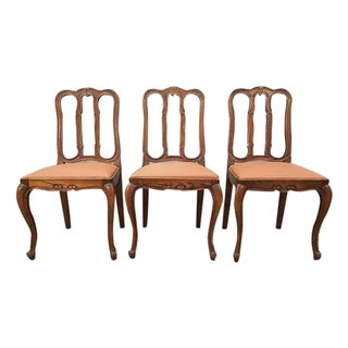 Traditional Louis XV Style Reupholstered French Provincial Oak Dining Side Chairs - Set of 3 For Sale