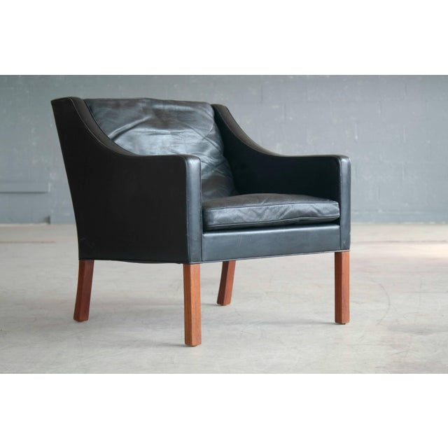 Borge Mogensen Model 2207 Lounge Chair in Black Leather and Teak for Fredericia For Sale - Image 9 of 9