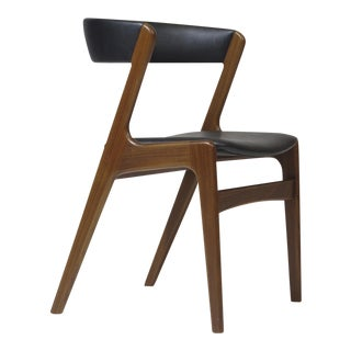 Customizable Danish Walnut Curved Back Dining Chairs For Sale