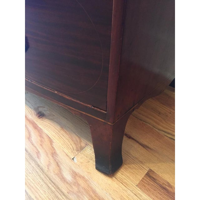 Early 19th Century 19th Century Federal Bowfront Mahogany Chest of Drawers For Sale - Image 5 of 7