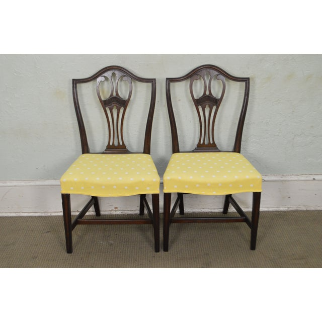 Antique 19th Century Pair of Mahogany Hepplewhite Period Shield Side Chairs For Sale - Image 11 of 12