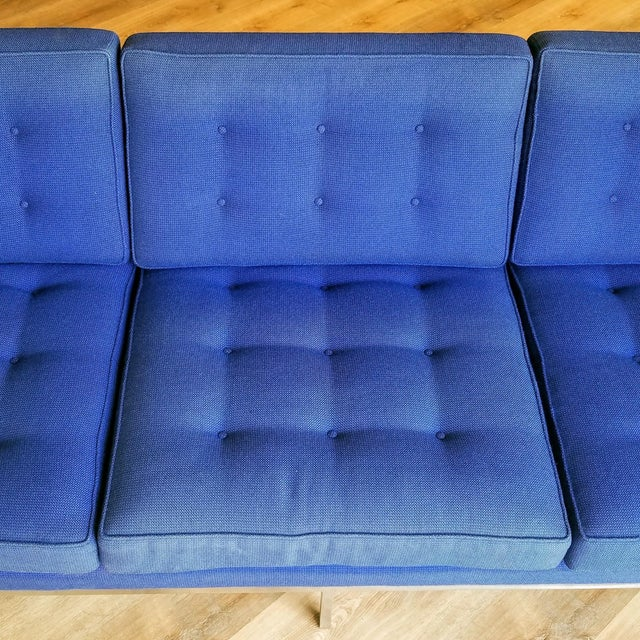 1960s Florence Knoll Three Seater Sofa W/ Original Fabric For Sale - Image 9 of 13