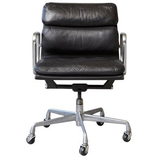 Eames Aluminum Group Black Leather Soft Pad Chair on Casters for Herman Miller For Sale