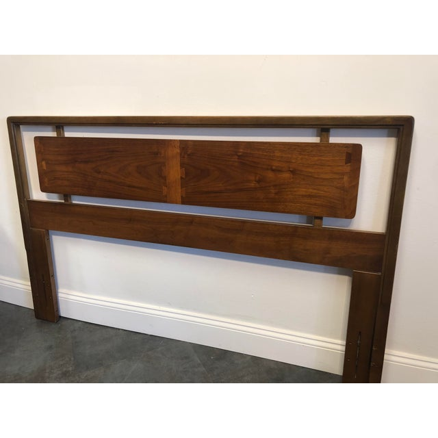 Lane Furniture Mid-Century Lane Acclaim Full / Queen Walnut Headboard For Sale - Image 4 of 9