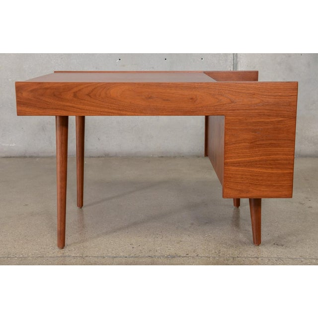 Mid-Century Modern Milo Baughman for Glenn of California Walnut Side Table For Sale - Image 3 of 6