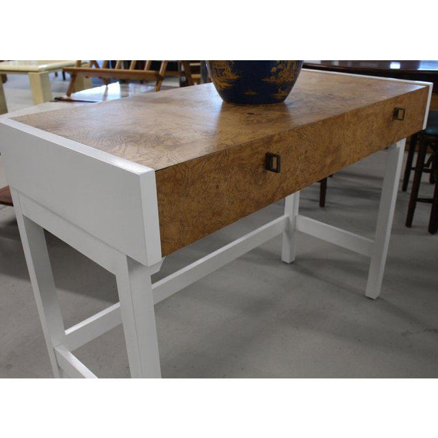 1970s Mid-Century Modern White Lacquer Burlwood Top Console Table For Sale - Image 6 of 8