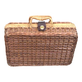 1950's Boho Chic Wicker Picnic Suitcase - Small For Sale