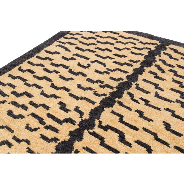 "Tibetan Tiger Rug by Carini-2'11'x5'11"" For Sale In New York - Image 6 of 7"