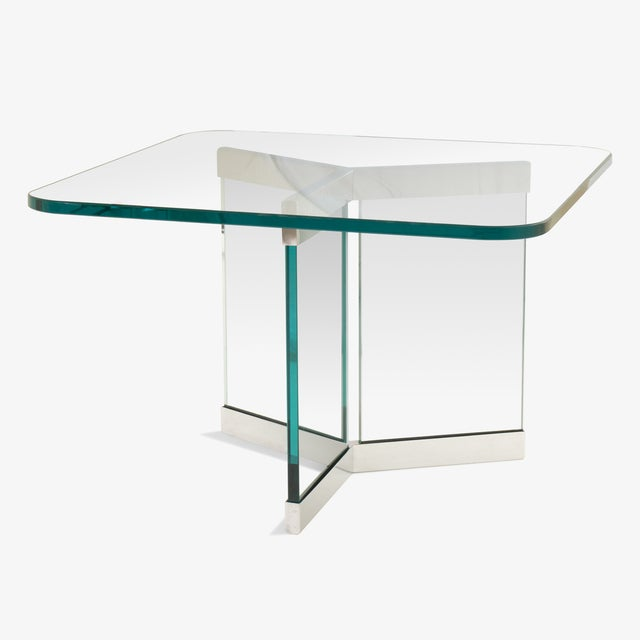 An excellent example of the Pace aesthetic in a rarely seen cocktail table exhibiting excellent proportions and design....