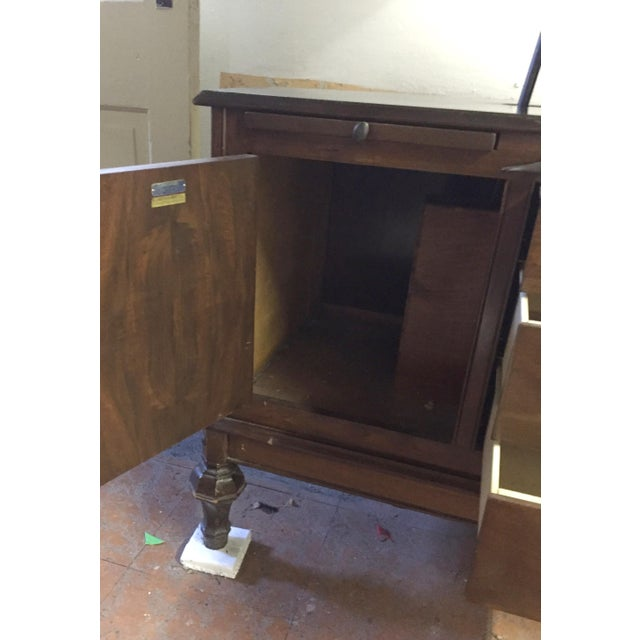 1930s Hamilton Mfg Physicians Exam Cabinet Table For Sale - Image 6 of 11