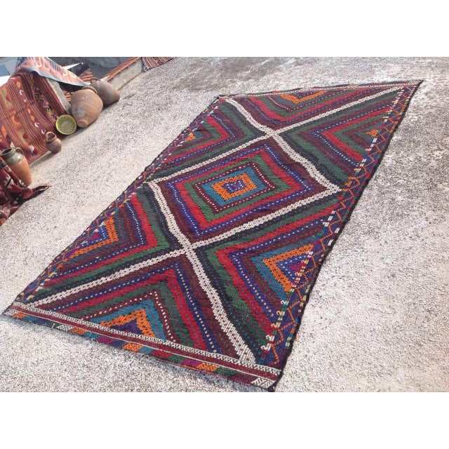 "Boho Chic Vintage Turkish Kilim Rug - 6'9"" x 10'5"" For Sale - Image 3 of 7"