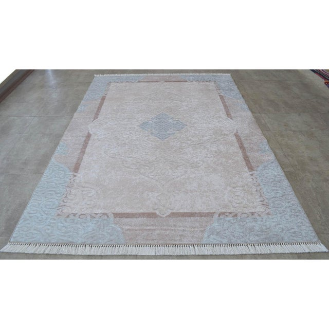 This rug was made with a pattern technology: Digital printing. Latex basedand fabric printed this rug is attracting...