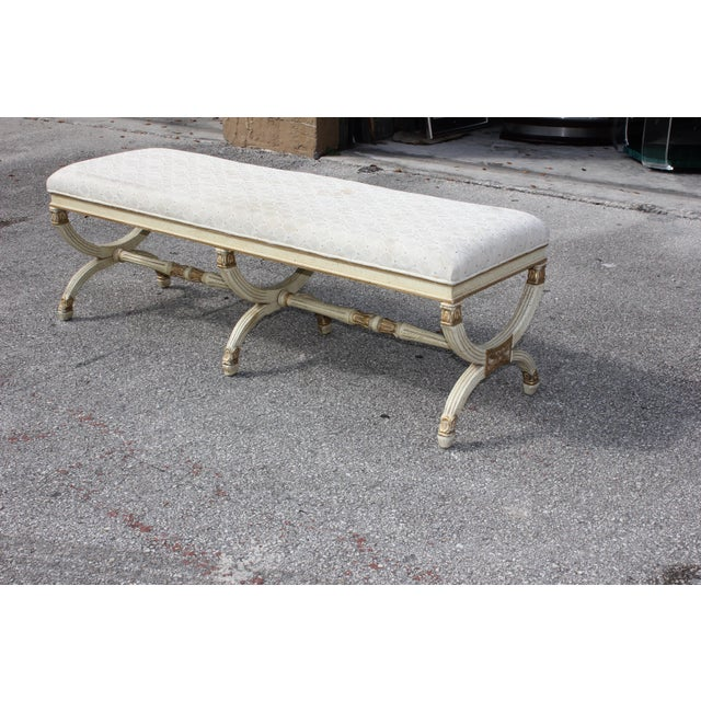 1900s Vintage Long French Louis XVI Barrel Legs Seating Bench For Sale In Miami - Image 6 of 13