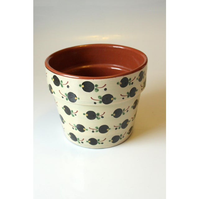 Ceramic planter with olive motif in excellent condition without chips diameter on top 20 cm = 7,87 in diameter on bottom...