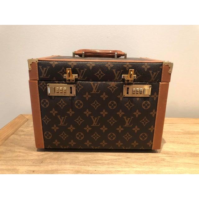1970's Vintage Louis Vuitton Train Case For Sale - Image 12 of 12