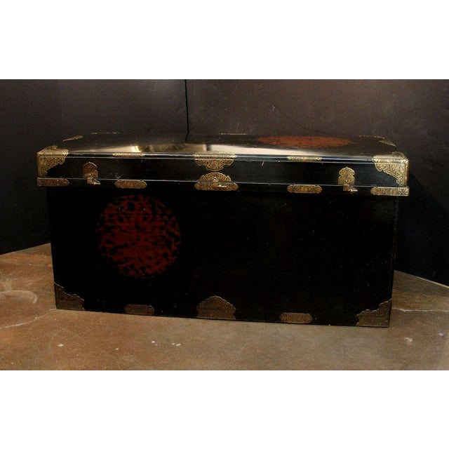 Japanese Imperial Black Lacquer Dowry Trunk (Nagamochi) - Image 2 of 9