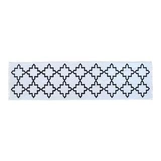Flat Weave Embossed Pattern Minimal Runner Rug Cotton Runner New- 2′7″ X 9′10″ For Sale