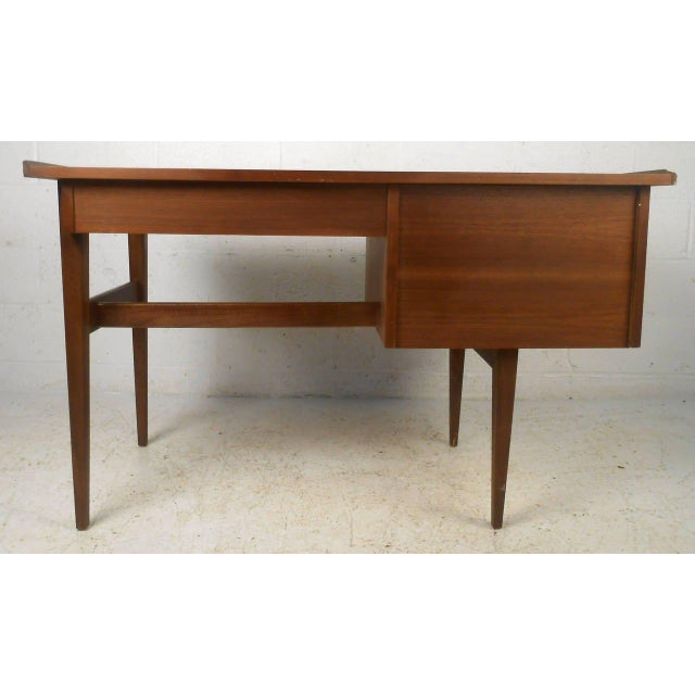American of Martinsville American of Martinsville Mid Century Matching Desk & Chair For Sale - Image 4 of 10