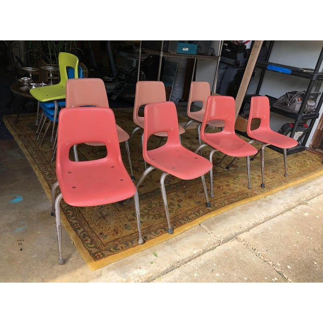 Vintage Mid Century Fiberglass Chairs- Set of 7 For Sale In San Francisco - Image 6 of 10
