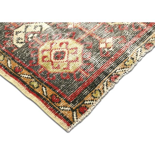 """Persian 1930s Persian Mahal Carpet - 9'6"""" X 12'6"""" For Sale - Image 3 of 7"""