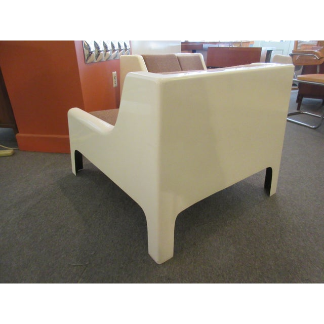 Cappellini Sofa and Chair set in Painted White Fiberglass - Image 5 of 10