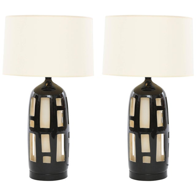 1970s Striking Pair of Cut-Out Ceramic Lamps For Sale - Image 5 of 5