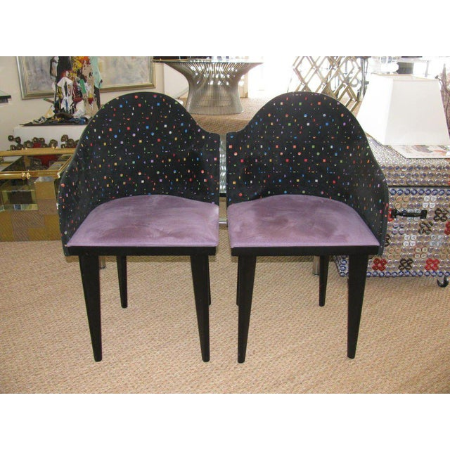 A great set of 1980s design Italian asymmetrical chairs by Saporiti. They have purple suede seats and suede backs with...