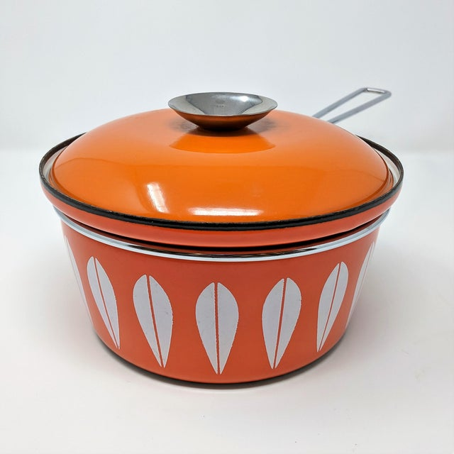 Mid-Century Modern 1960s Scandinavian Modern Catherineholm Enamel Lotus Sauce Pan For Sale - Image 3 of 11