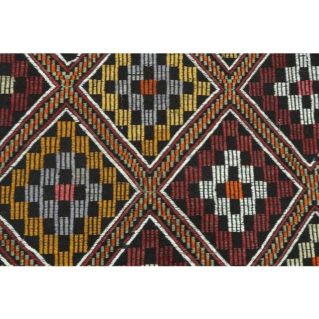 Vintage Turkish Antalya Embroidered Kilim Rug- 4′8″ × 9′7″ For Sale - Image 10 of 13