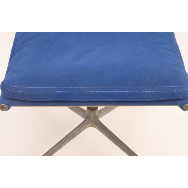 Charles and Ray Eames 1960s Vintage Eames for Herman Miller Aluminum Group Ottoman Stool For Sale - Image 4 of 6