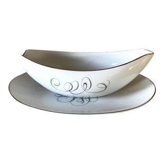 Style House Gravy Boat & Plate For Sale