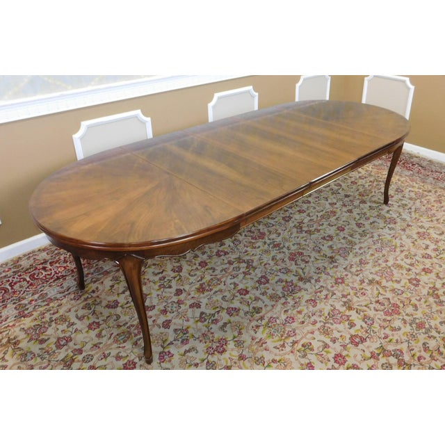 Fruitwood Cherry Oval French Provincial Style Baker Furniture Dining Table For Sale In New York - Image 6 of 11