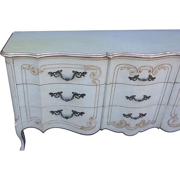 French John Widdicomb French Style 9-Drawer Dresser For Sale - Image 3 of 7