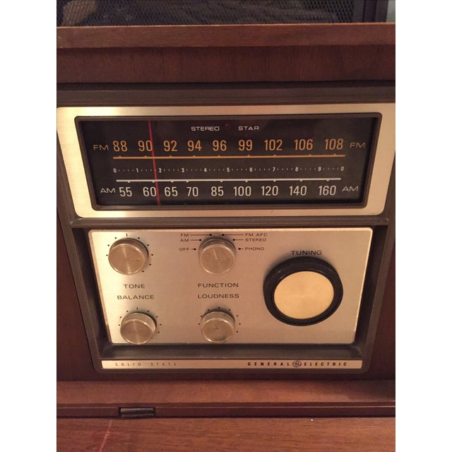 Mid-Century General Electric Folding Speaker Radio - Image 5 of 7