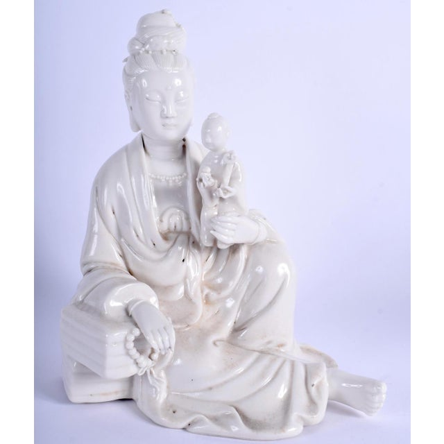 Chinese Blanc De Chine Figure of Guanyin Qing, Early 19th Century For Sale - Image 4 of 10
