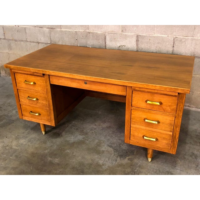 """Wood Indiana Mid-Century Modern Executive Desk 30"""" X 60"""" Top For Sale - Image 7 of 13"""