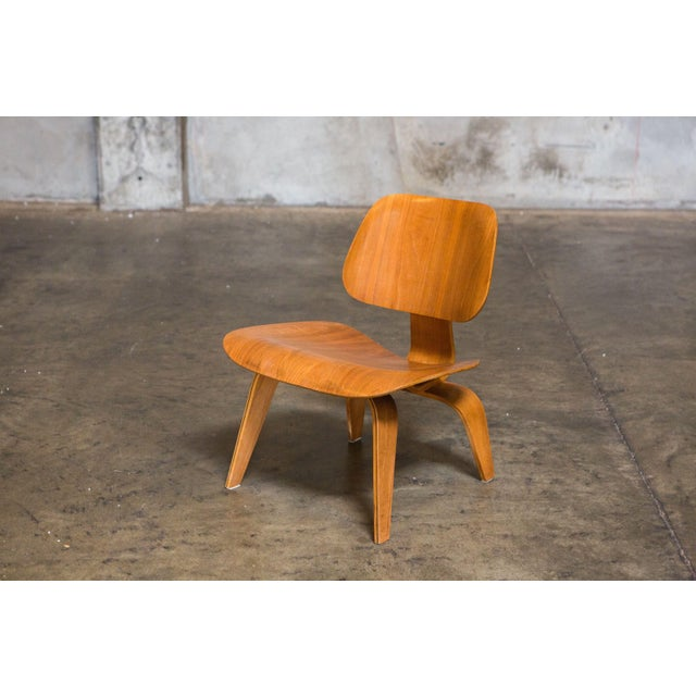 Eames Bentwood Low Chair in Medium Finish - Image 2 of 5