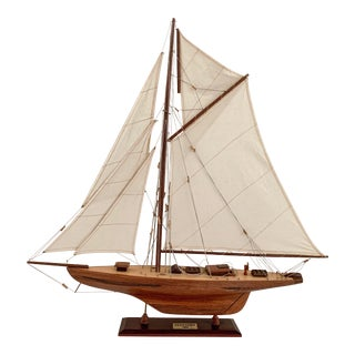 1895 Defender America's Cup Winner Yacht Sailboat Model Mid Century Teak Wood For Sale