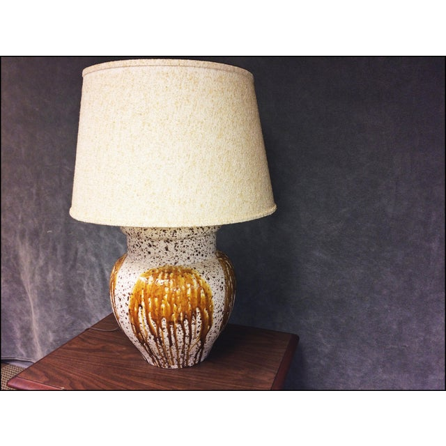 Mid-Century Modern Art Pottery Table Lamp - Image 8 of 11