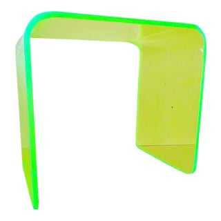 Memphis Lit Neon Green Side Table For Sale
