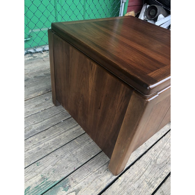 Wood 1970s Mid Century Modern Walnut Nightstand by Lane For Sale - Image 7 of 10